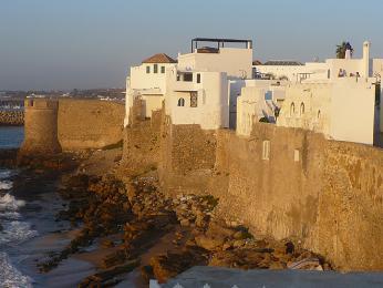 Pozůstatky portugalských hradeb ve městěAsilah