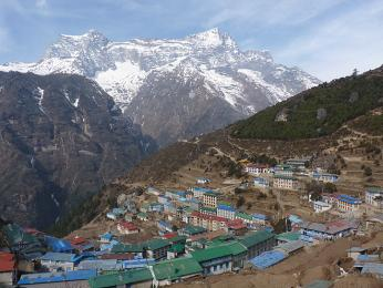 Namche Bazzar, oblíbené aklimatizační místo ve výšce 3700metrů