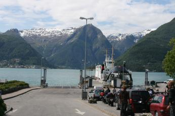 Přeprava trajektem je běžnou součástí jízdy zvláště v západním Norsku
