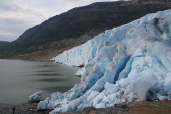 U ledovce Svartisen