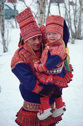 Laponci v tradičním oděvu