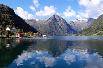 Pohled na nejdelší a nejhlubší fjord vNorsku - Sognefjord