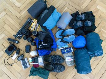 I takto může vypadat obsah zavazadla sbaleného na zájezd :-)