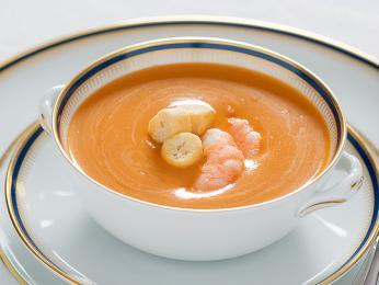 Creme de marisco je lahodná krémová polévka z mořských plodů