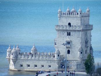 Torre de Belém byla postavena v16.století na počest úspěšné expedice Vasco da Gamy