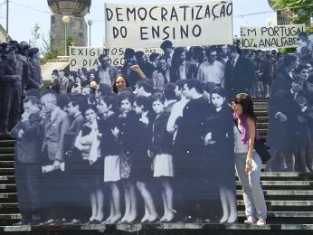 Mezi oponenty diktatury patřili komunisté, liberalisté, monarchisté idemokraté
