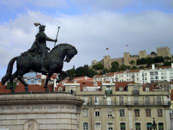 Na jednom ze sedmi lisabonských vrcholků se tyčí hrad svatého Jiří