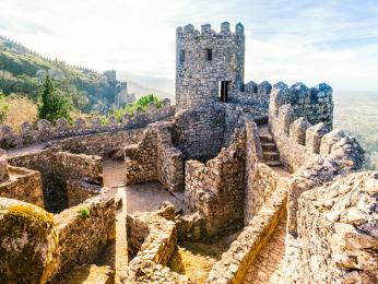 Nedaleko Sintry se nachází ruiny starého maurského hradu