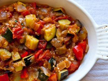 Ratatouille je mix nejrůznější zeleniny