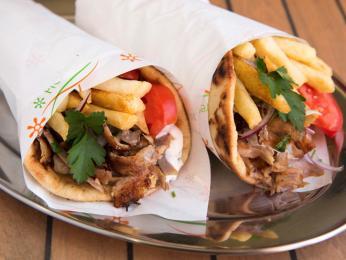 Gyros patří mezi oblíbené rychlé občerstvení