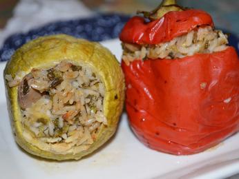 Pokrm jemista, to jsou například papriky plněné rýží