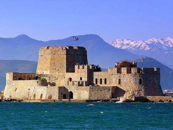 Bourtzi, pevnost v Náfpliu, byla vybudována Benátčany
