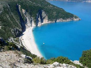 Pláž Myrtos na ostrově Kefalonie