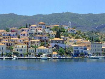 Poros, hlavní město stejnojmenného ostrova
