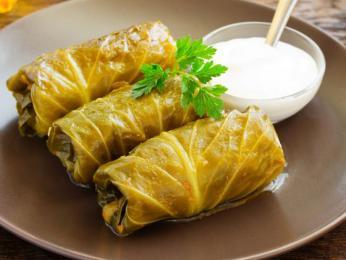 Masem a rýží plněné zelné listy sarmale