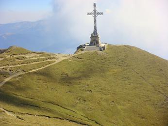 Pamětní kříž obětem první světové války na vrcholu Caraiman
