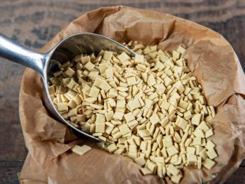 Savojské těstoviny crozets se nejčastěji vyrábí z pohankové mouky
