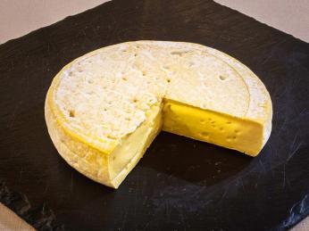 Reblochon je kravský krémový sýr oříškové chuti