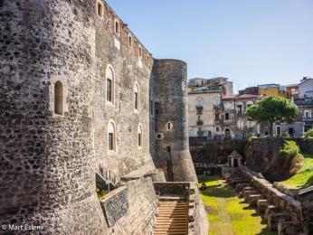 Katánská pevnost Castello Ursino ze 13.století dnes slouží jako muzeum