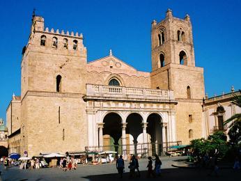 Nejkrásnější katedrálu na Sicílii naleznete vMonreale