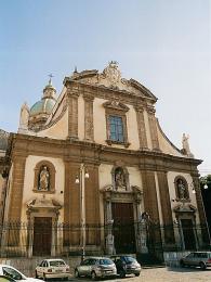 Kostel Gesù se stal jedním zprvních příkladů tzv. sicilského baroka