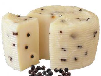 Pecorino siciliano se vyrábí z ovčího mléka