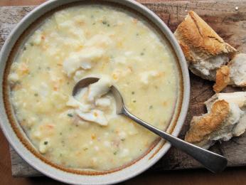 Výborná tresčí polévka cullen skink