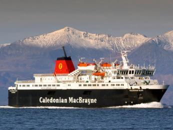 Dopravu na skotské ostrovy zajišťuje mimo jiné také Caledonian MacBrayne