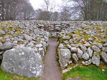Megalitický komplex Clava Cairn je opředený tajemstvím