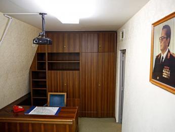 Pracovna v Titově tajném vojenském bunkru poblíž Sarajeva