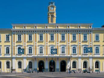 Budova hlavního vlakového nádraží vLublani
