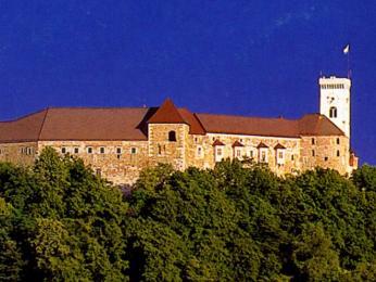 Na hrad je možné se zcentra Lublaně dostat lanovkou
