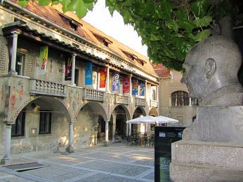 Križanke – klášterní komplex, kde kdysi sídlil Řád německých rytířů