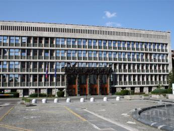 Budova parlamentu je dílem slavného slovinského architekta Josipa Plečnika