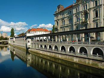 Plečnikova kolonáda měla být součástí městské tržnice