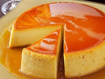 Karamelový koláč flan spudinkem