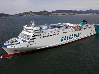Loď společnosti Balearia