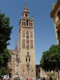 Zvonice katedrály v Seville - Giralda
