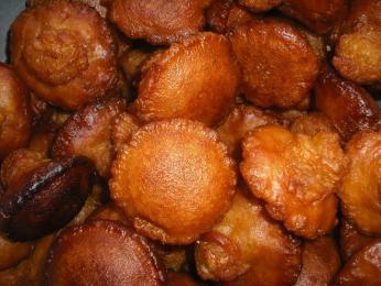Kevum je voleji smažené pečivo zrýžové mouky a kitulu