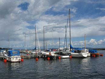 Švédi milují slunce a vodu, takže ve svých hausbótech tráví spoustu času
