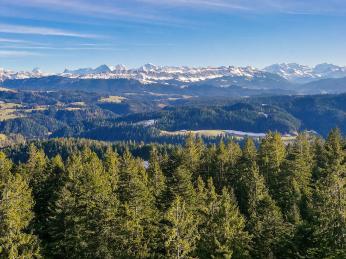 Panorama Bernských Alp při pohledu zEmmentalu