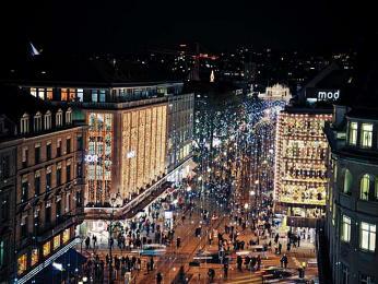 Bahnhofstrasse patří knejprestižnějším nákupním ulicím vEvropě