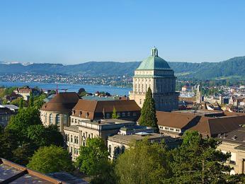 Univerzita vCurychu je největší univerzitou ve Švýcarsku