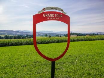 Charakteristický fotorámeček na trase Grand Tour of Switzerland