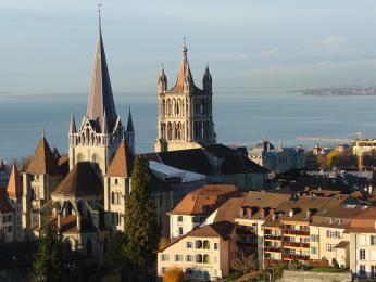 Město Lausanne na břehu Ženevského jezera