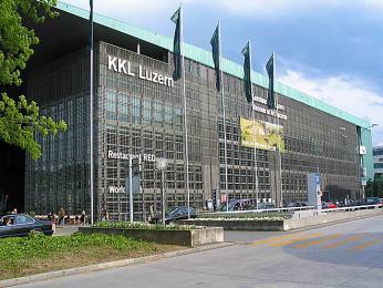 Moderní kulturní akongresové centrum