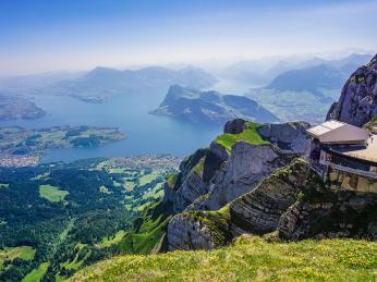 Vierwaldstättersee neboli Lucernské jezero zvrcholu hory Pilatus
