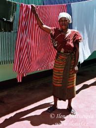 Ložní prádlo se pere ručně asuší na slunci