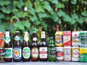 Ve Vietnamu můžete ochutnat mnoho značek piva