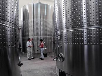 Víno Madeira prochází speciálním procesem zahřívání estufagem